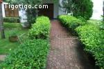 À Louer maison meublée de 4 pièces avec jardin à Tokoin
