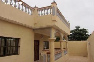 A louer villa meublée ou non, de 7 pièces à Atiégou