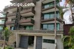 Abidjan  COCODY II PLATEAUX bel immeuble r+3,avec un Roof